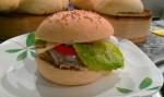 Hamburguesa vegetal hecha con pan casero